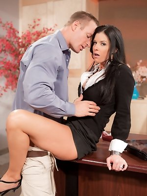 India Summer has her sights set on TJ Cummings the new temp in her office. During a private meeting together, she regales him with tales of the sordid